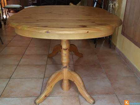 table ovale en pin massif