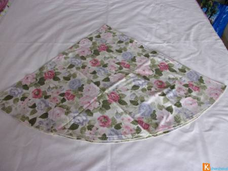 Nappe ronde fleurie