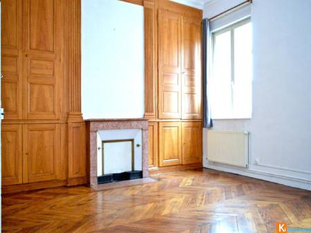MACON GAMBETTA - Appartement en RDC - T 5 de 133 m2 avec stationement - BY LIBERTISSIMMO.COM