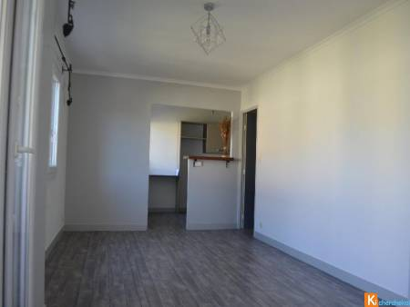 DRAGUIGNAN appartement F2 plein centre au calme