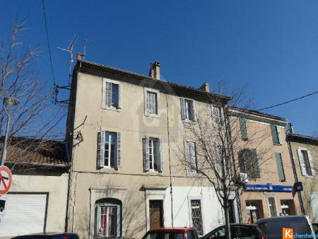 CARPENTRAS - MAISON DE VILLE - 3 PIECES - 94 M2