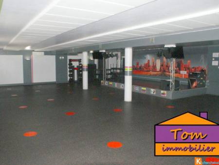 BETTING - local commercial + appartement - 935 m² - Betting