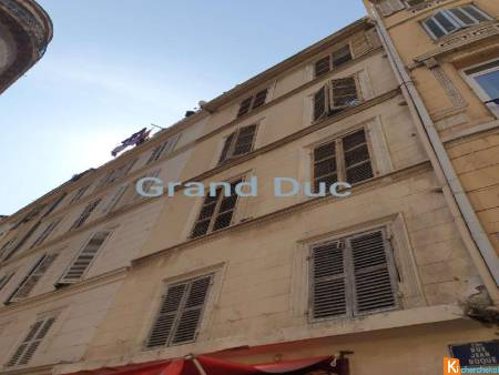 Marseille 13001- immeuble- rent 7%-11 appartement +1 local commercial