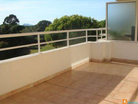 APPARTEMENT T3 - GARAGE - PARKING - PROCHE CENTRE VILLE - EN ETA - ST RAPHAEL