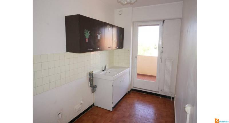 APPARTEMENT T2 - QUARTIER LES ROUTES - TOULON