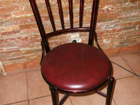 LOT DE 35 CHAISES BISTROT
