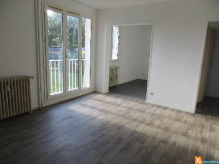 CHATEAUDUN APPARTEMENT F4