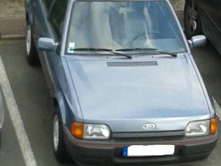 FORD ESCORT 1.6 annee 1989