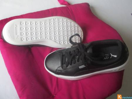 Sneackers PUMA taille 38 Noires