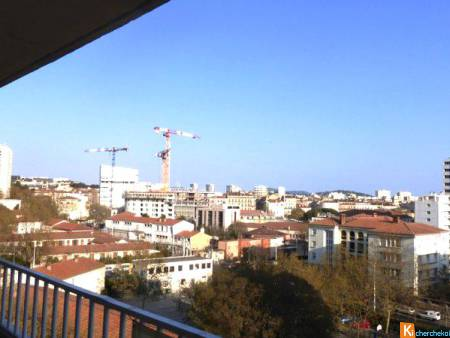 APPARTEMENT T3 ETAGE ELEVE ASCENCEUR TOULON 83000