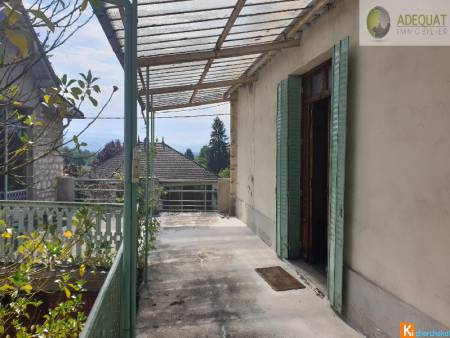 MORESTEL CENTRE BELLE APPARTEMENT A RENOVER