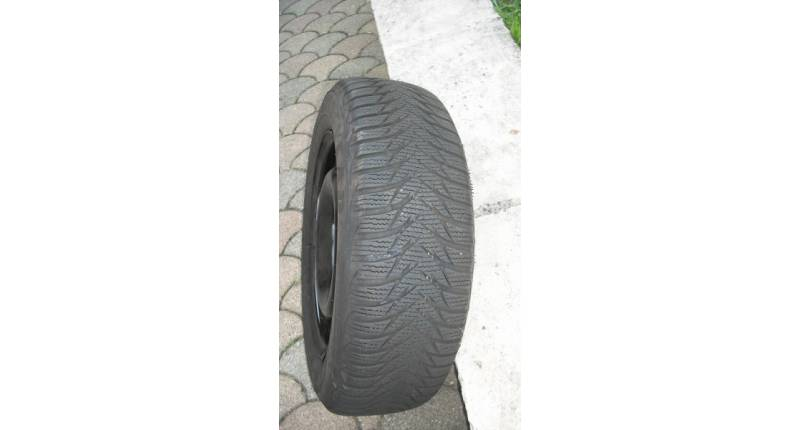 pneu neige 175 65 R 14 UTRA GRIP GOODYARD