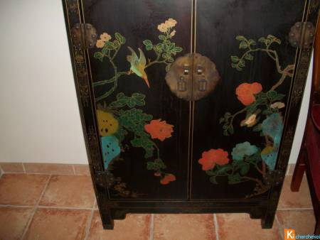 une commode chinoise