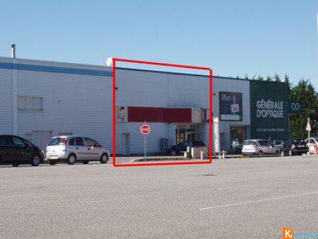 Local commercial de 176 m², visible et modulable