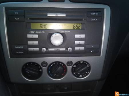 Autoradio FORD d'origine commandes au volant