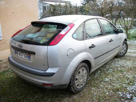 Ford focus essence: 1,6:  2005 : 88342 km : ct ok