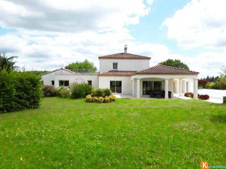 LOT  - VILLA CONTEMPORAINE - BELLES PRESTATIONS - BIEN RARE !