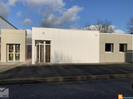 LOCAL COMMERCIAL 142 m2 - GRAND LARGE POITIERS
