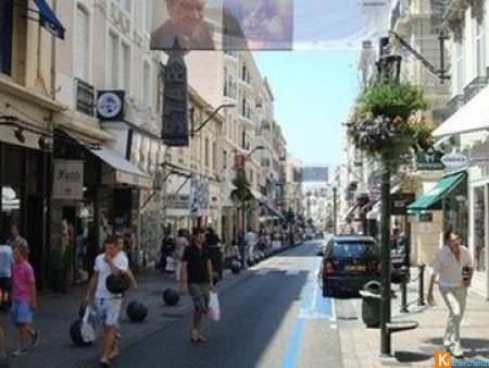 CANNES LOCAL RUE D'ANTIBES 140M² + 20M LINEAIRE DE VITRINE 2999 - Cannes