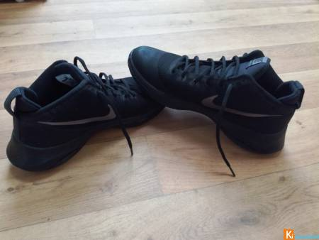 Chaussures basketball Nike