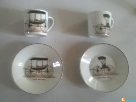 2 Tasses + soucoupes en Porcelaine de Paris