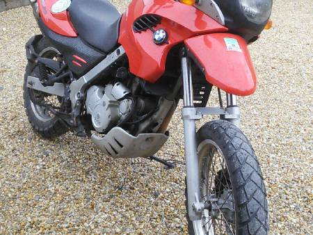 BMW F650 GS rouge