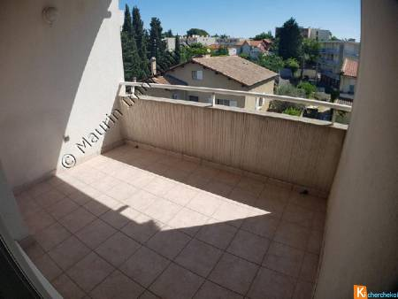 Studio de 22m2 + terrasse de 10m2 et parking privatif