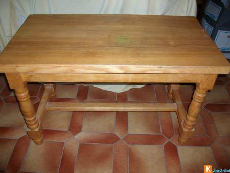 Table basse de salon en bois clair