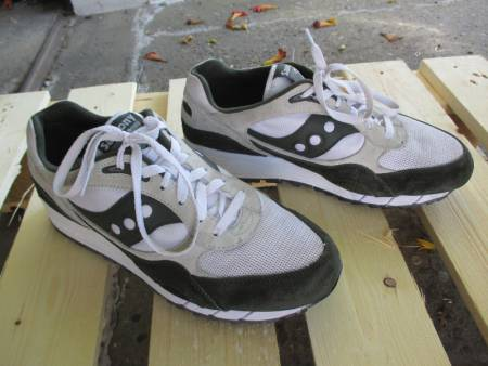 chaussures saucony taille 44,5
