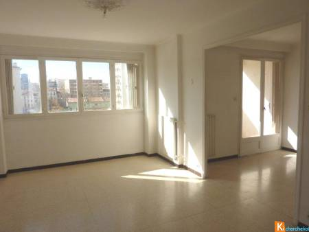 APPARTEMENT T4 2 CHAMBRES ASCENCEUR VUE DEGAGEEE PORT MARCHAND / MOURILLON TERRASSE